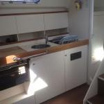 Pantry der Varianta 44 - Yachtcharter in Stralsund