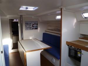Yachtcharter in Stralsund VA 44 Salon