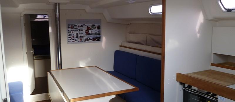 Yachtcharter Stralsund Blow Me Aufenthaltsraum
